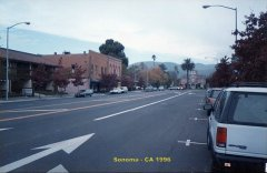 Vista de rua no centro da cidade de Sonoma